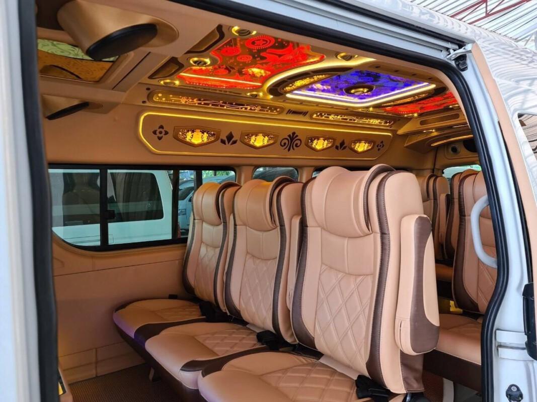 รถตู้ให้เช่าเหมา.com บริการเช่าเหมารถตู้ VIP 8 ที่นั่ง 10-13 ที่นั่ง พร้อมคนขับ (34)
